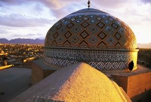 The Value of Talking Hamlet in Tehran