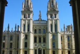 U.K. Universities Competing for U.S. Undergrads