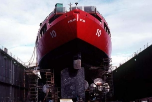 Bipartisan amendment to build up to four icebreakers introduced to U.S. defense bill