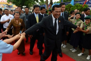 As Election Approaches, Cambodia's Parties Offer Little Hope