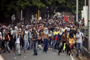 Venezuela Thrown into Turmoil Anew: Last Straw for Regime?