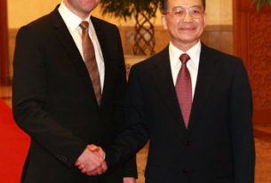 China wins Swedish support for Arctic Council permanent observer status