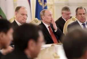 Russia Pushes Development of Northern Sea Route