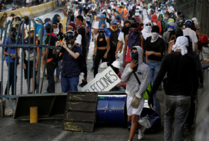 Venezuela: Tensions High as Showdown Looms