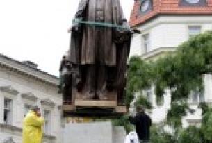 Winning Back Prague's Trust