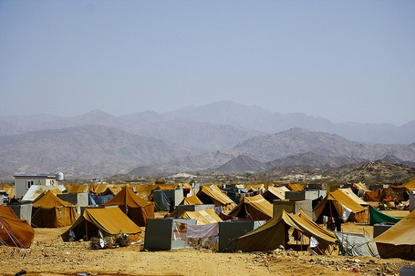 Mazrak camp in the tough mountainous scrublands of Yemen's north-west border with Saudi Arabia is now home to more than 10,000 people displaced by the escalating war between the government and rebels from the Huthi clan. Photo: Annasofie Flamand / IRIN / 201003230854400244