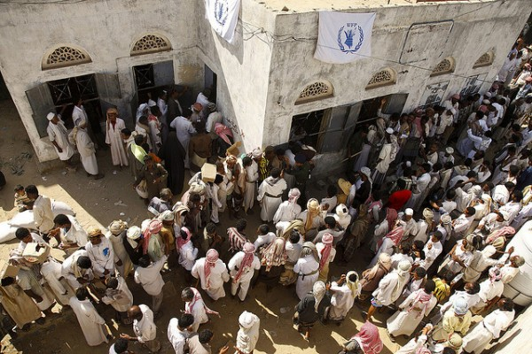 The majority of the estimated 250,000 people displaced by the Houthi conflict scattered across the vast landscape of north Yemen, seeking shelter and food among the local rural populations. Photo: Hugh Macleod / IRIN / 201003170737560353