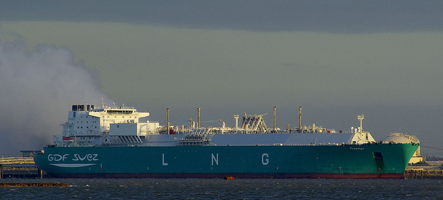 Waiting for the tanker to come (c) Paul Johnston via Flickr