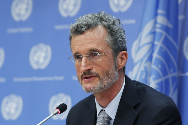 Mr. Georg Kell, UN Global Compact Executive Director, to brief journalists on a Global Corporate Sustainability Report and the forthcoming Global Compact Leaders Summit, to be held in New York on 19-20 September. [UN Photo/JC McIlwaine]