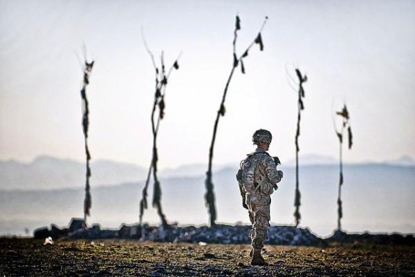 640px-Flickr_-_The_U.S._Army_-_Afghan_graveyard