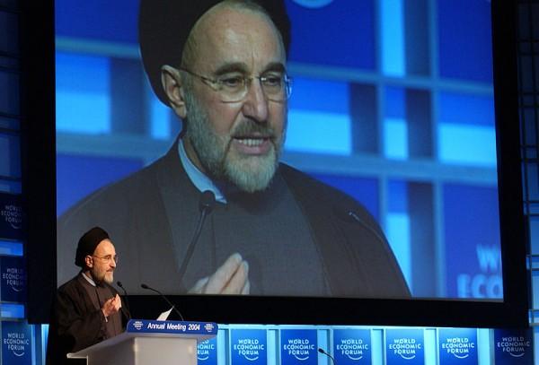 800px-Flickr_-_World_Economic_Forum_-_Mohammad_Khatami_-_World_Economic_Forum_Annual_Meeting_Davos_2004