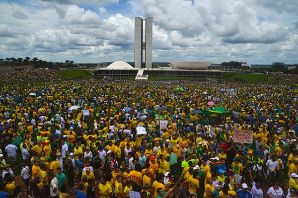 Brasília_protest_-_Brazil_15_March_2015