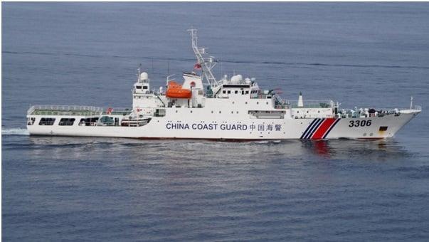 Chinese_Coast_Guard_ship_during_DiREx-15