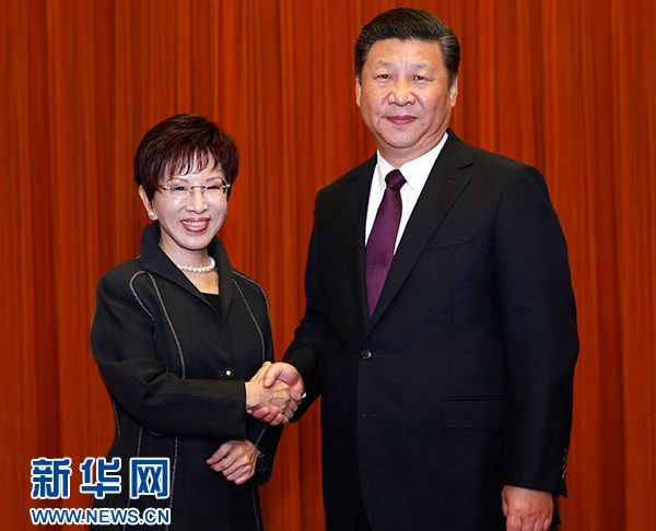 Hung Hsiu-chu with Chinese president Xi Jinping (Xinhua)