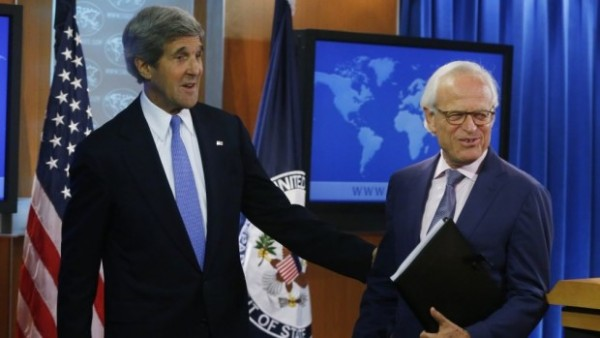 John-Kerry-and-Martin-Indyk-e1397266834261