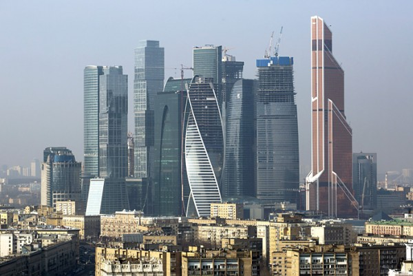 Take some London, Chicago, and mix in a little Dubai, and voilà – Moscow City (credit: mosblog.livejournal.com)