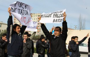 Azerbaijan: prominent lawyer disbarred, youth activist arrested