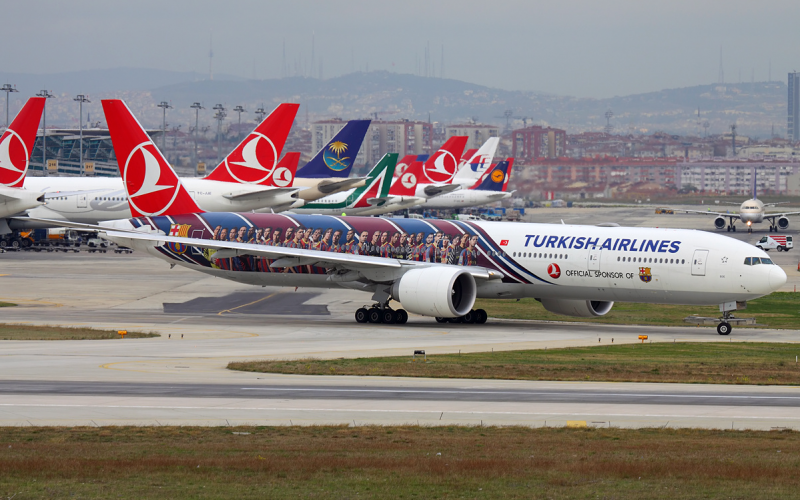 Turkish_Airlines_Boeing_777-300ER_TC-JJI_IST_2012-11-24-800x500_c