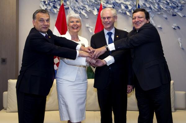 Orbán with Croatian Prime Minister Jadranka Kosor, President Van Rompuy, Commission President Barroso.
