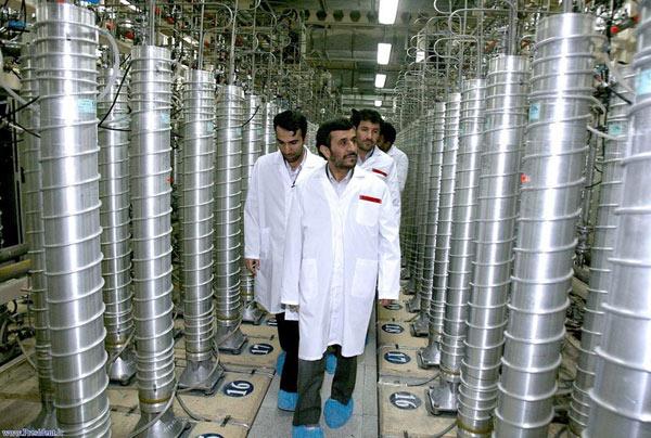 iran-nuclear-facility-ahmadinejad_bada