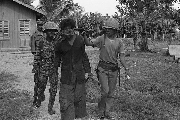a history of khmer rouge in cambodia Read a brief overview of the khmer rouge regime which brutally terrorised the cambodian people from 1975 - 1979 and during the subsequent civil war.